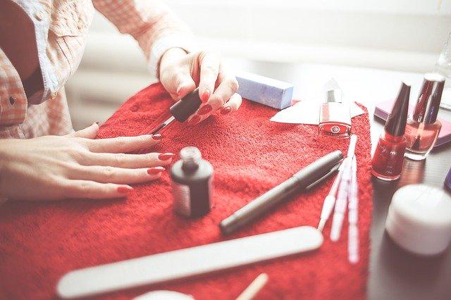 Op zoek naar een nagelstudio in ravenstein?