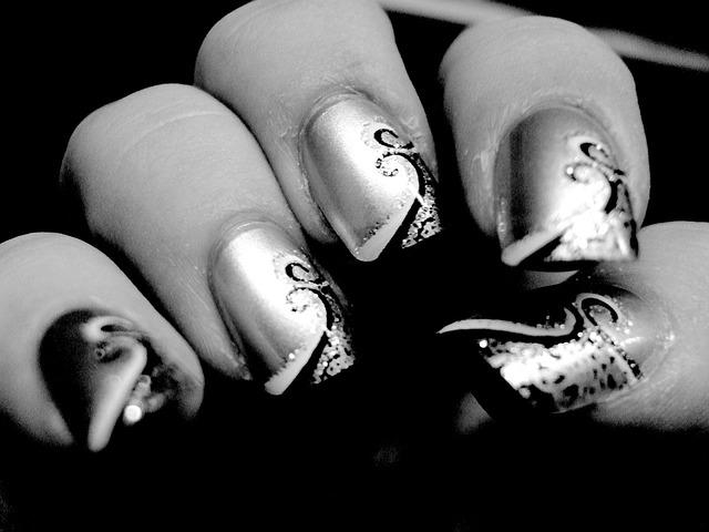 Op zoek naar een nagelstudio in dwingeloo?